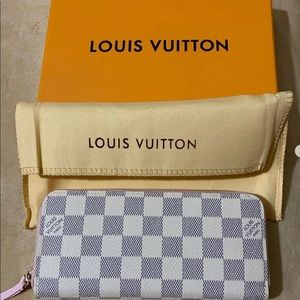 Checkered Wallet 😍